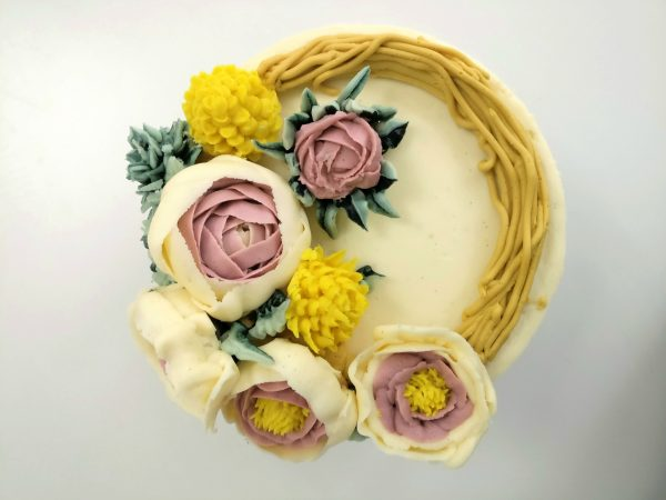 buttercream flowers cake class at the london cake academy