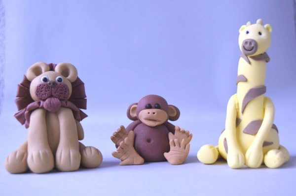 cute jungle lion monkey and giraffe figure cake topper class at the London cake academy