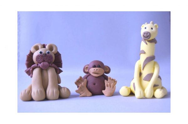 cute girafffe, lion and monkey figure cake topper class at the London cake academy