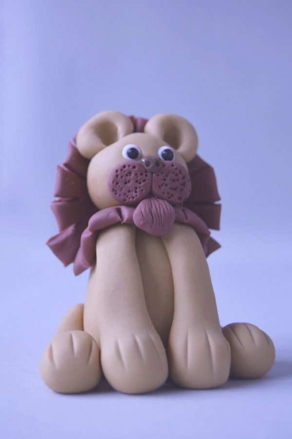 cute lion figure cake topper class at the London cake academy